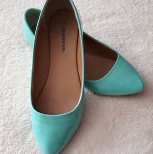 City Classified Mint Pointed Toe Flats
